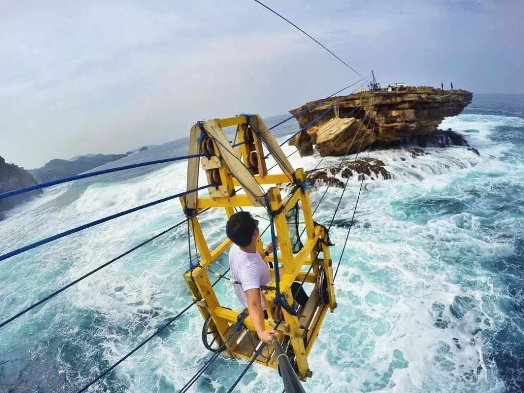 what to do in yogyakarta; Timang Beach Gondola