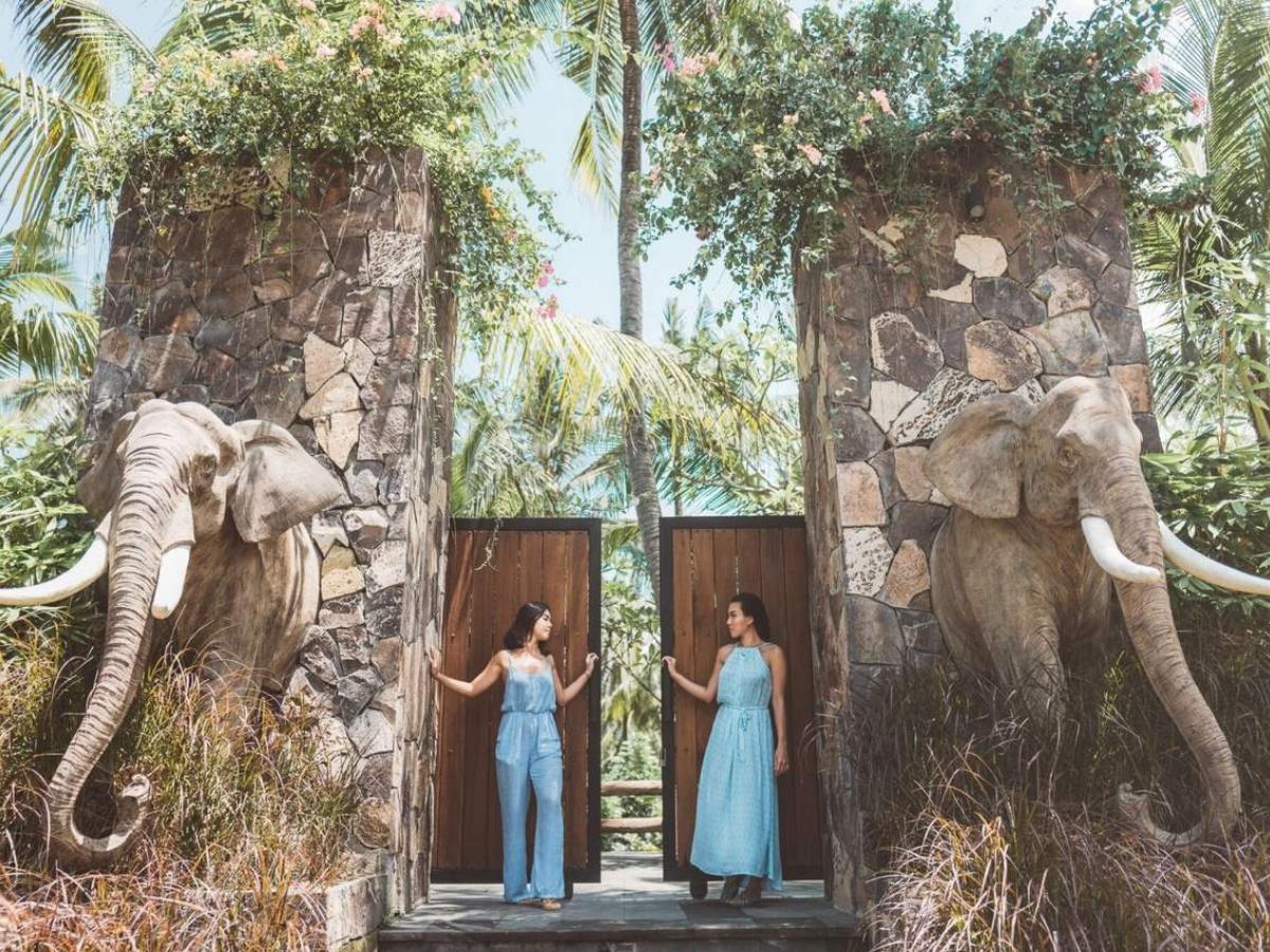 gate of lombok elephant park