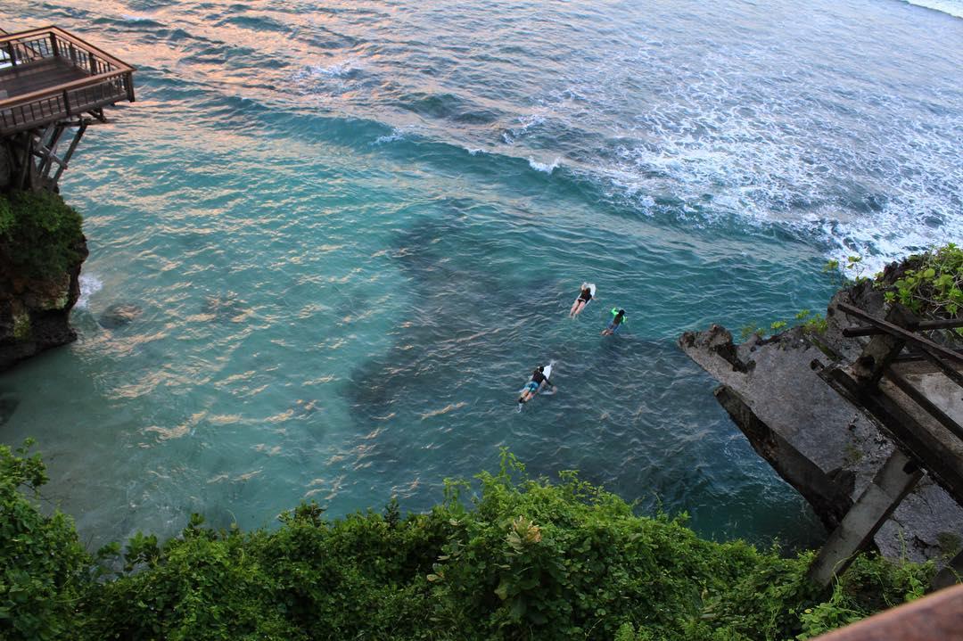 Surf School in Bali; Padang Padang Surf Camp