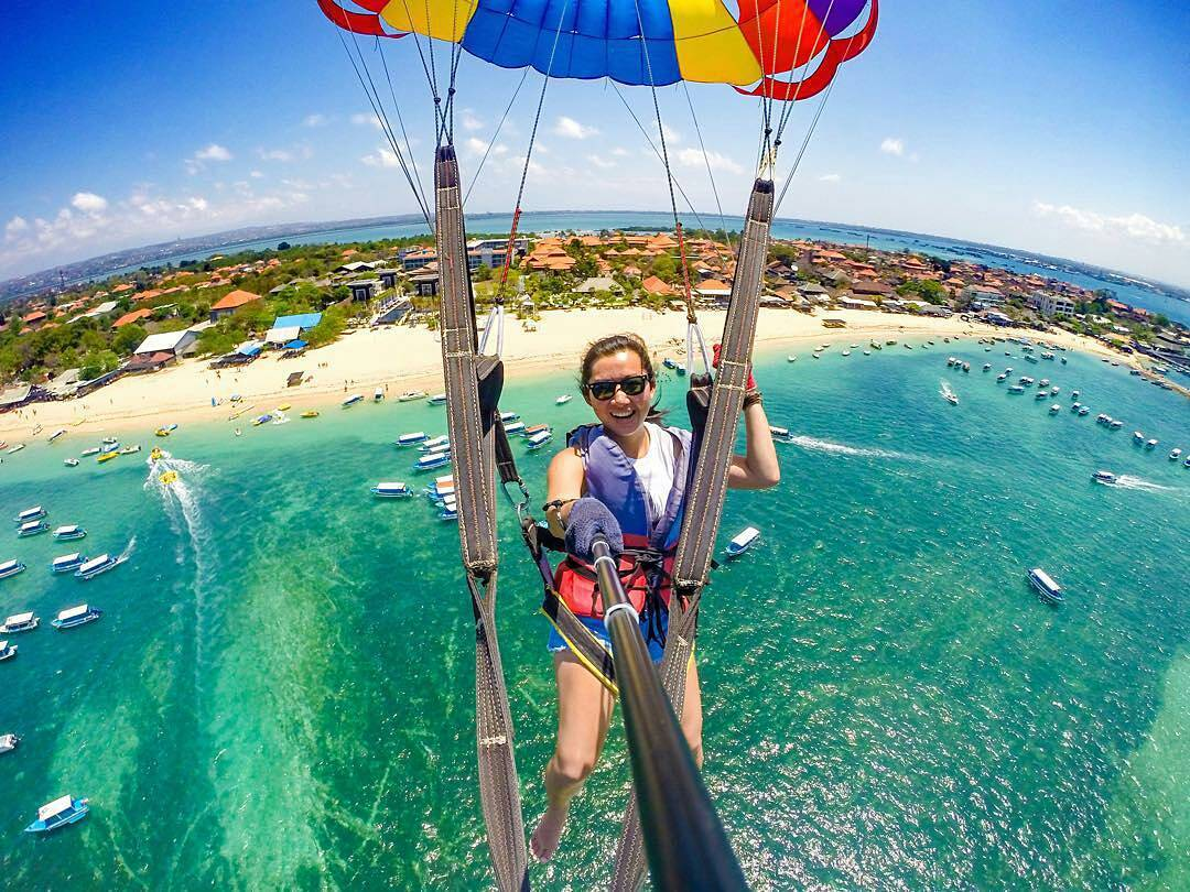 Water Sports in Bali; Parasailing