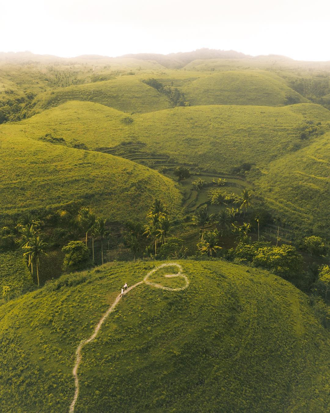 Places to See in Bali; Teletubbies Hills Nusa Penida