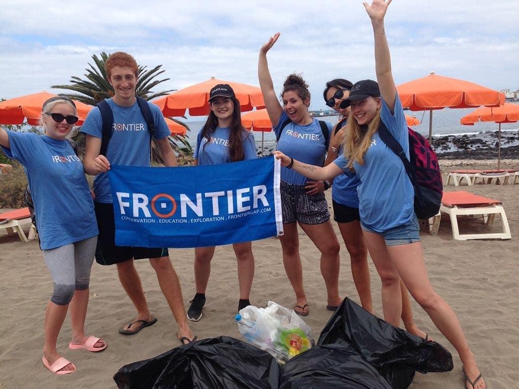 Volunteers in Bali; Frontier