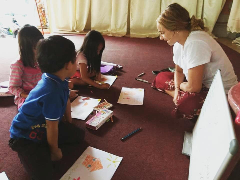 Volunteers in Bali; Global Crossroad