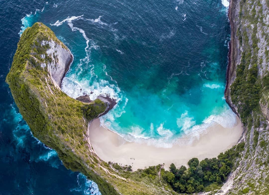 Places to See in Bali; Kelingking Beach