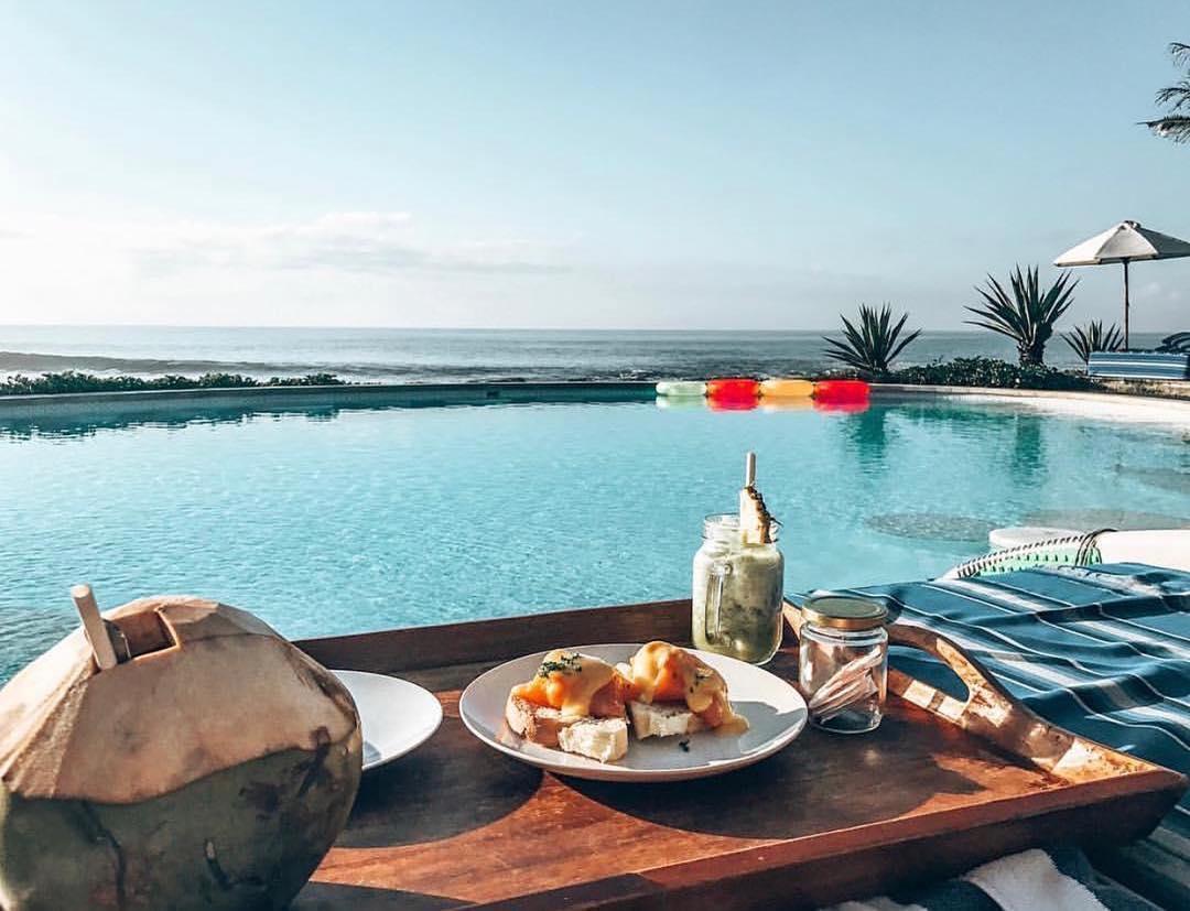 Bali Beach Club; Komune Beach Club