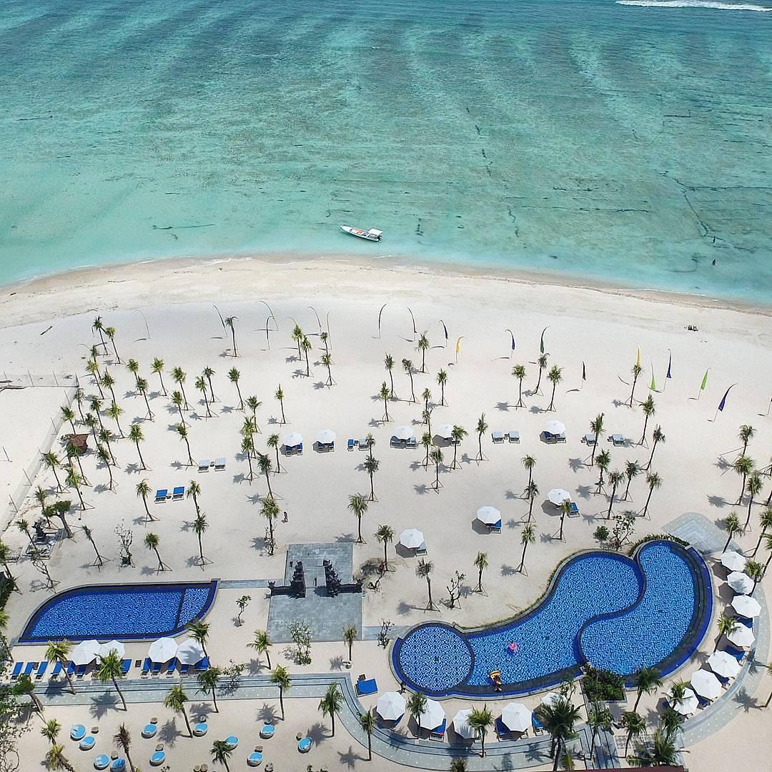 Bali Beach Club; Mahagiri Lembongan Beach Club