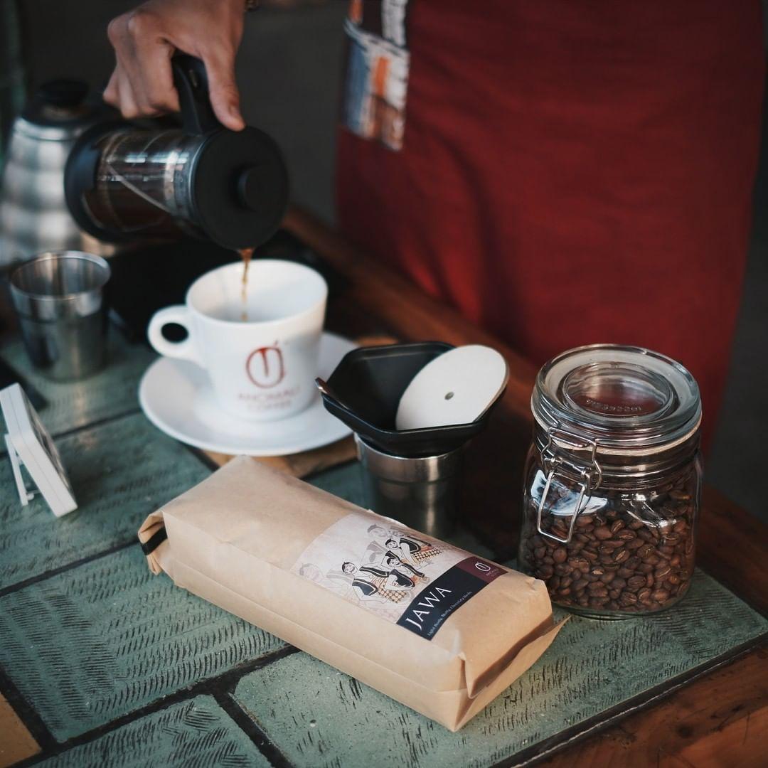 Anomali Coffee Ubud by @anomalicoffee