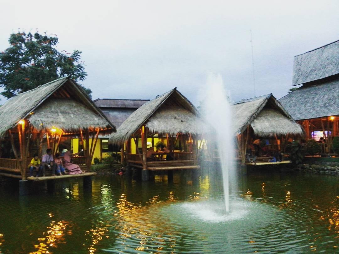 Gubug Makan Mang Engking Bandung by @siagianrika