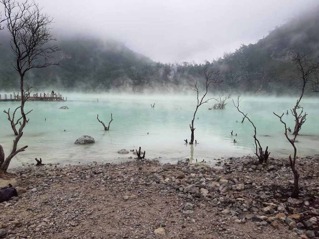what to do in Bandung; Kawah Putih @iampaaax