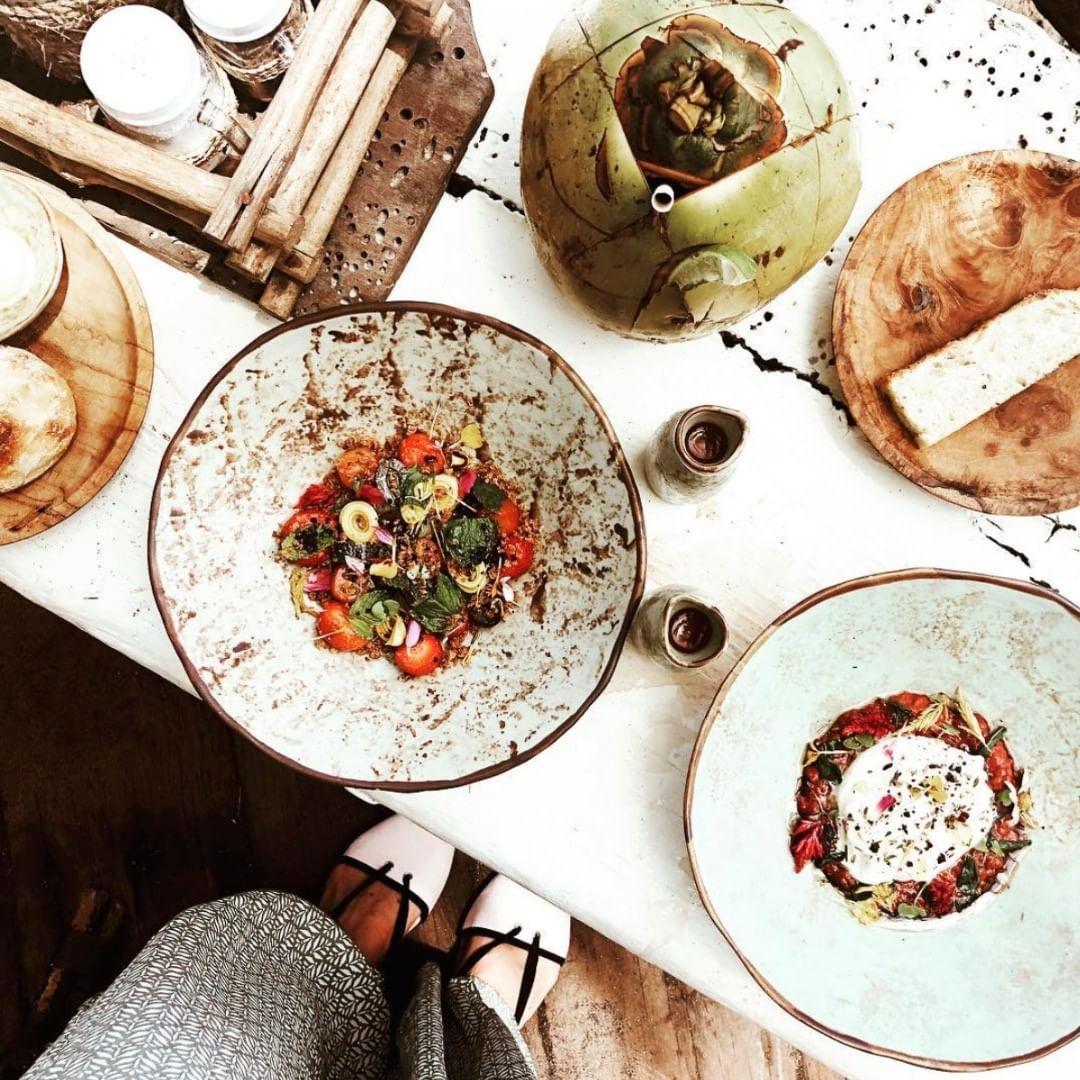 Canggu Cafe: La Brisa by @labrisabali