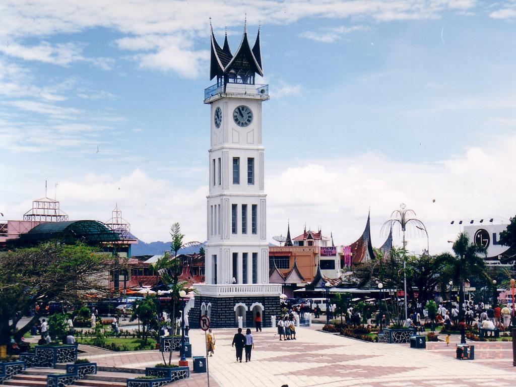 Padang tour prominent landmark