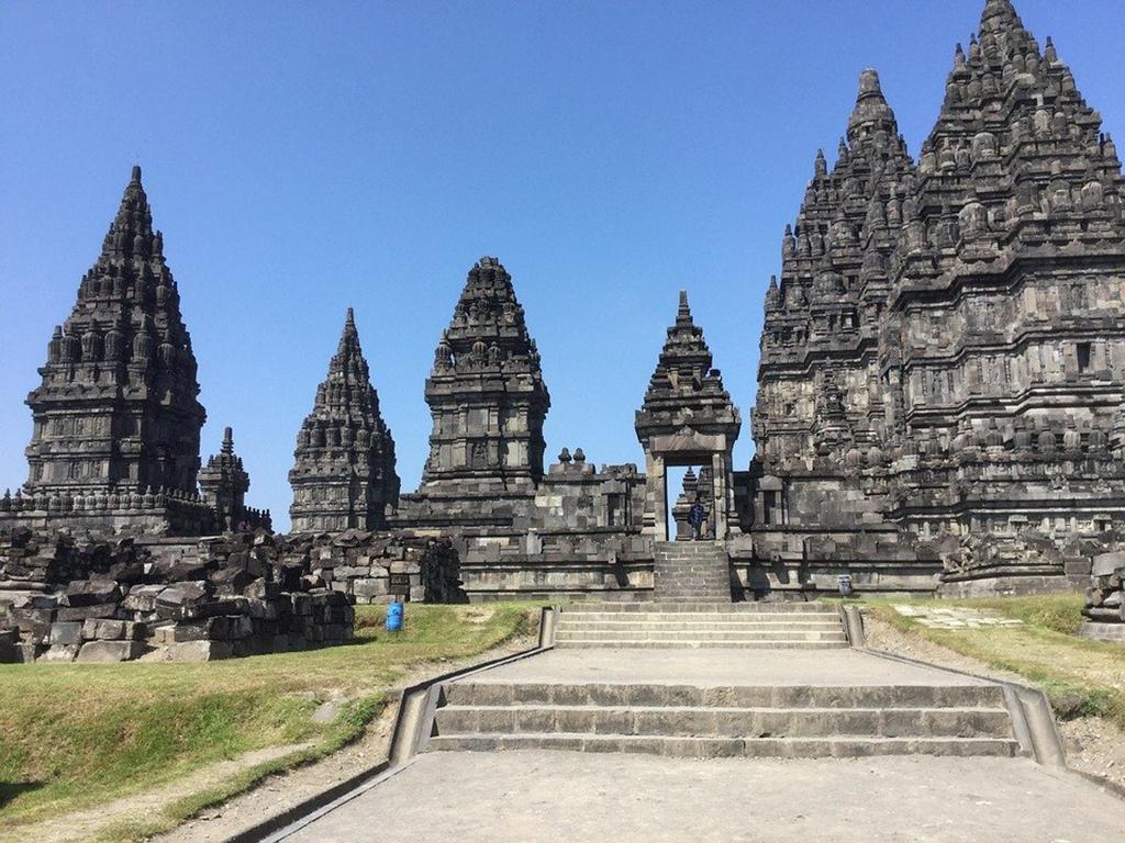 prambanan tempel met Nederlandstalige Gids