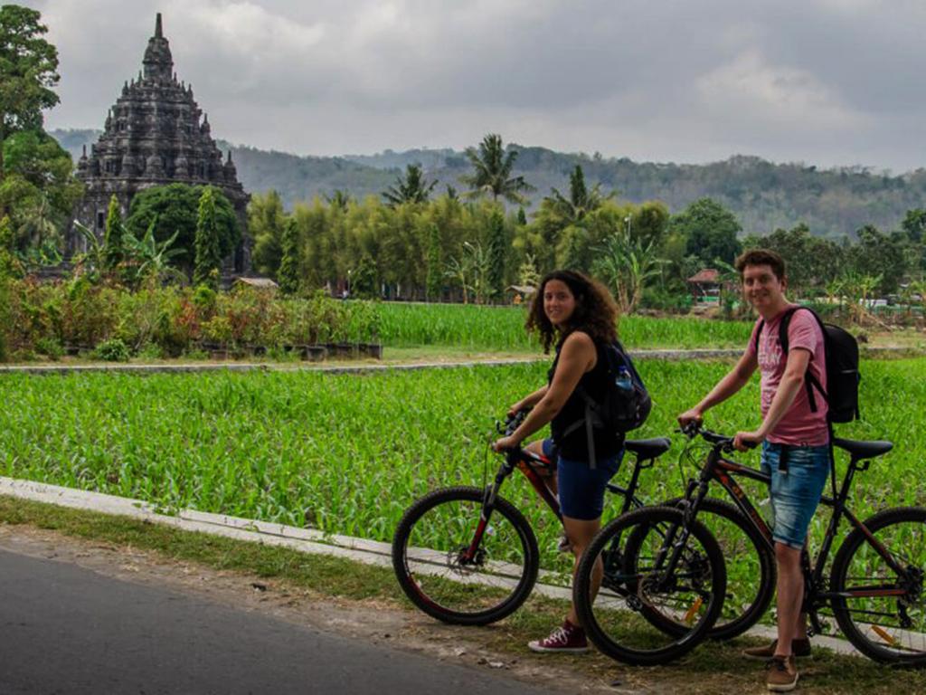 fietsen yogyakarta met Nederlandstalige Gids